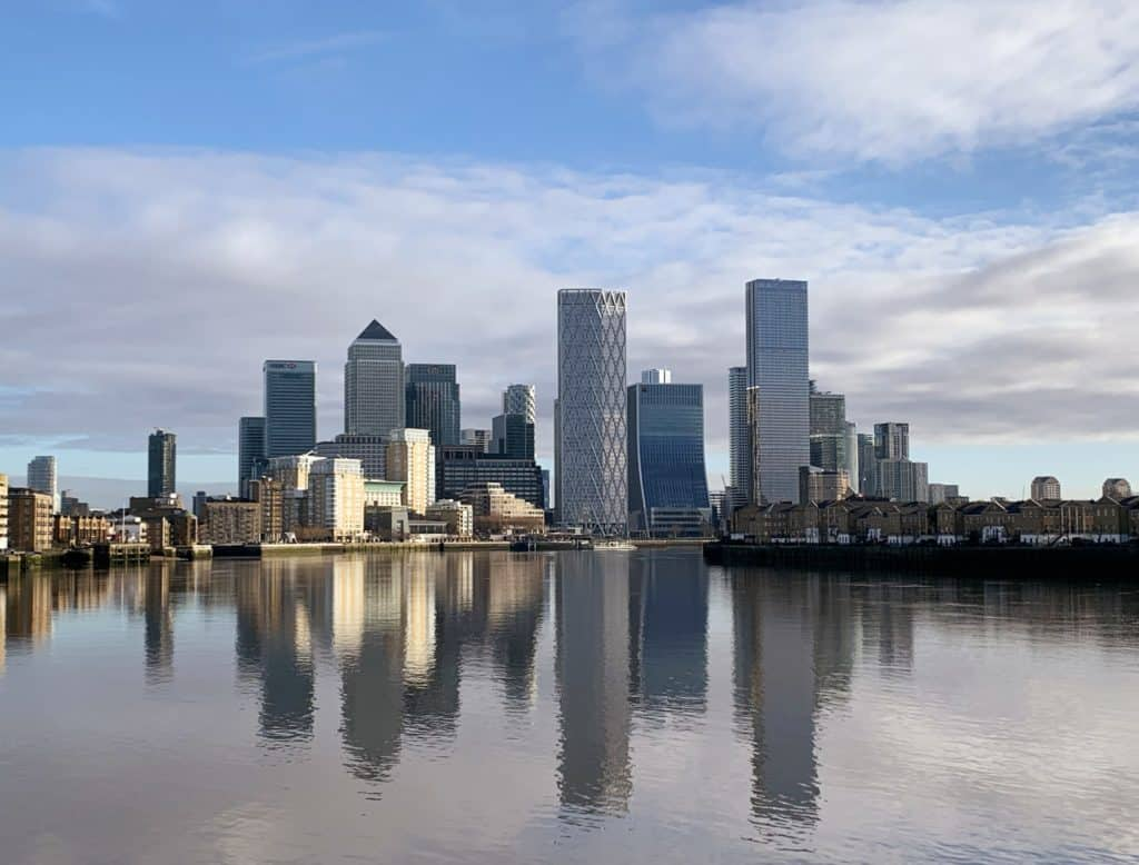 view from canary wharf from thames path section 3